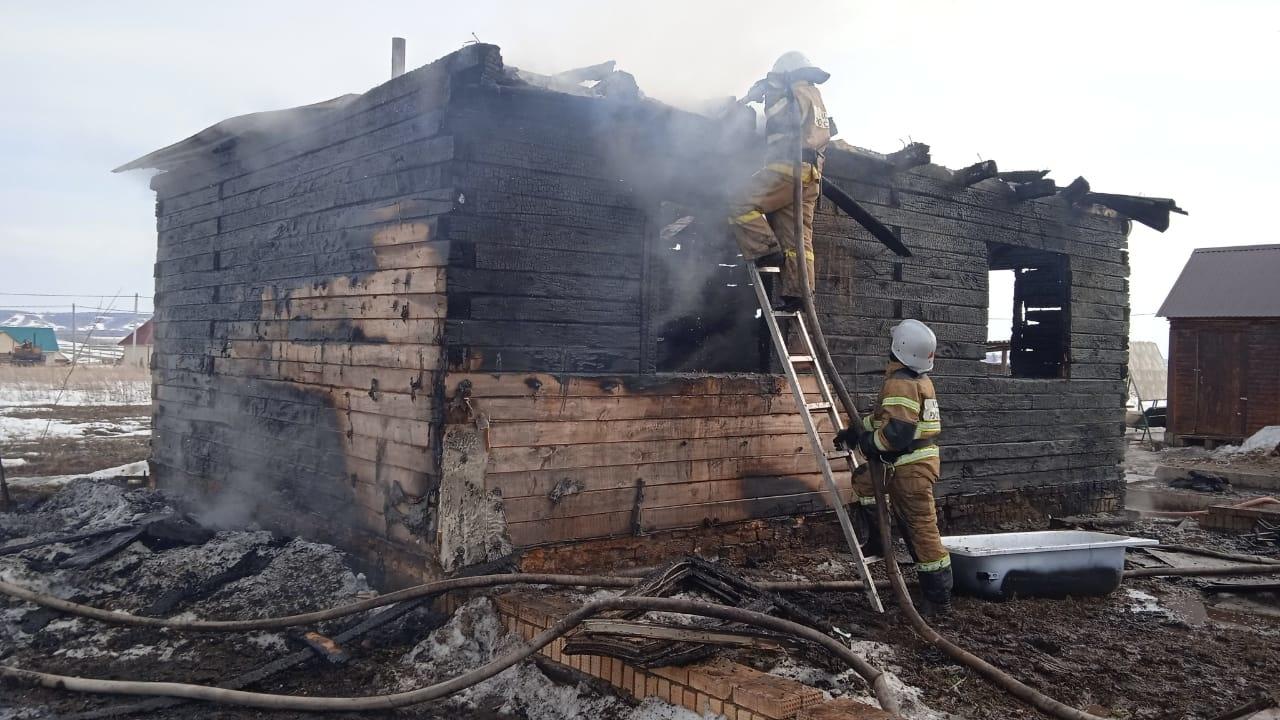 Пожарно-спасательные подразделения МЧС России ликвидировали пожар в Благоварском районе
