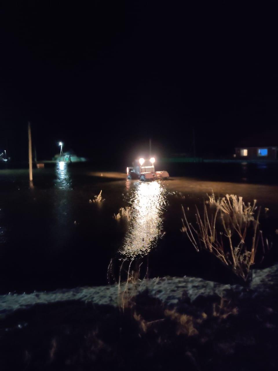 Пожарно-спасательные подразделения МЧС России выехали на подтопление в н.п. Азнаево в Бижбулякский район